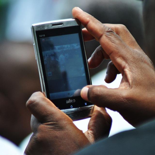 SMS půjčka je dostupným finančním produktem v ČR