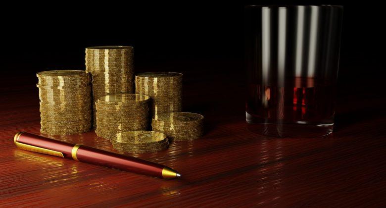 Gold Money Finance Financial Pen  - kvvmiass / Pixabay